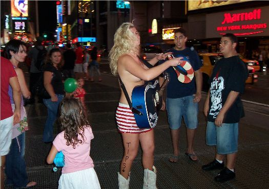 naked cow girl new york