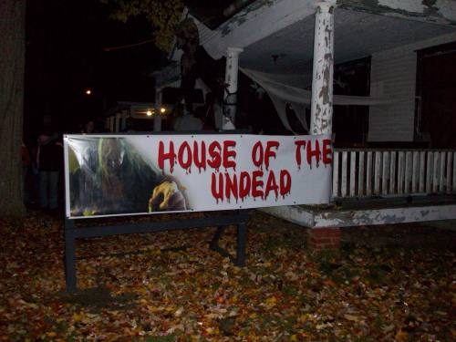 ghostlakehouseundead